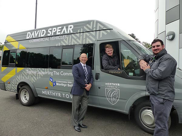 Commercial Vehicle Dealer Helps Merthyr Town F.c. Continue Its Work Within The Community Thanks To 17 Seater Minibus Donation